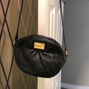 Black crossbody small shoulder bag.